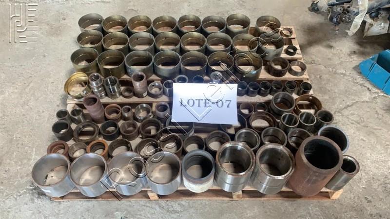 Buchas diversas (sem uso) para equipamentos diversos: HYUNDAI, XCMG, SHANTUI, KOMATSU, CATERPILLAR, etc. No estado que se encontra.