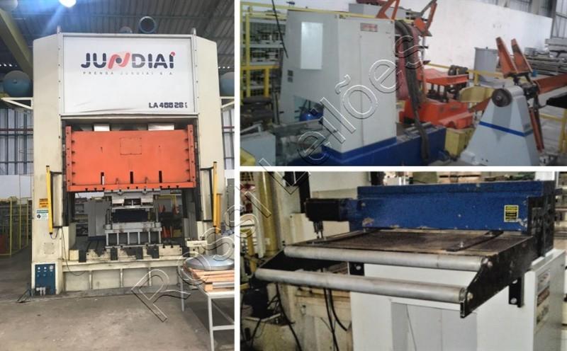 Prensa Jundiaí 400 toneladas, alimentador eletro com endireitador acoplado Setrema e Desbobinador com carro transportador Setrema.