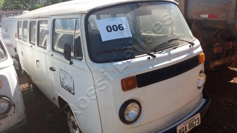 Kombi - 1989  - Placa:  BQA-8673