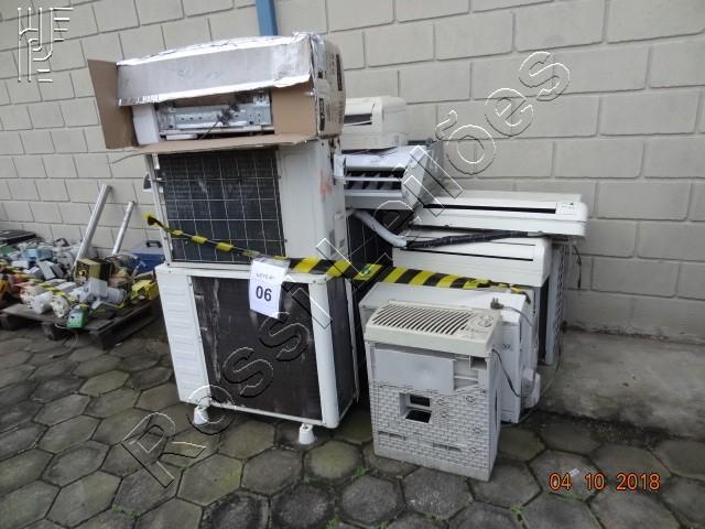 Lote com:  7   un  de  Aparelhos de Ar Condicionado. (Será vendido no estado de conservação em que se encontra)