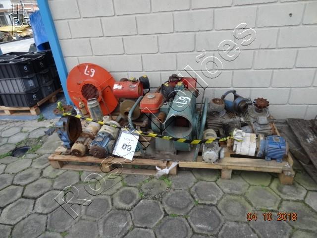Lote com:  11   un  de  Equipamentos diversos, compostos por: Motores a Combustão, Insuflador de Ar, Redutores e Bombas. (Será vendido no estado de conservação em que se encontra)
