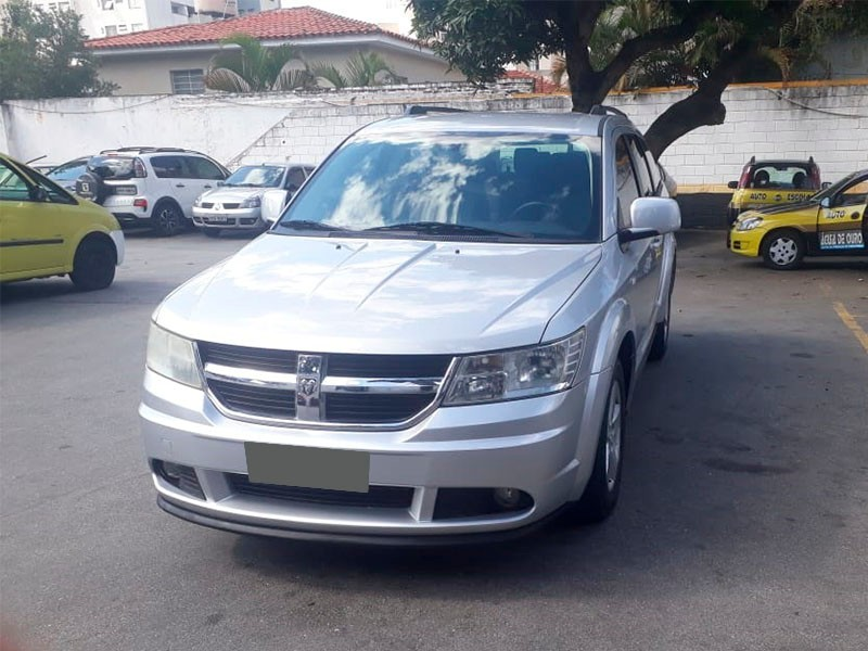 DODGE; JOURNEY SXT; 2008/2009; PRATA; GASOLINA; 7 LUGARES - PLACA JHS-0629