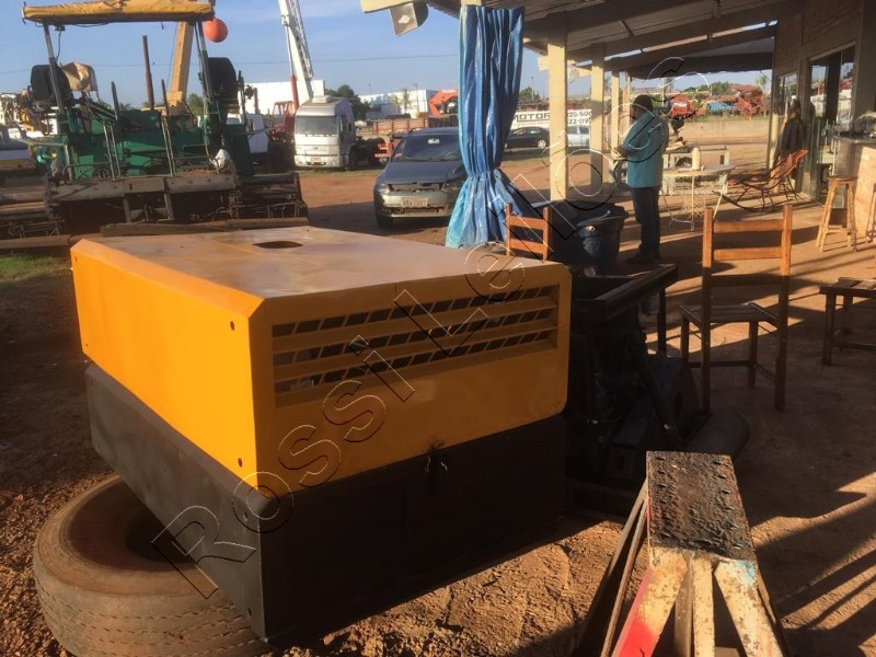 Compressor parafuso kaeser M38. Diesel. 3 cilindros. Ano Fab 2001